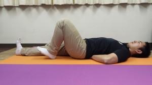 股関節スライド運動①