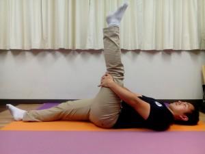 足首背屈①(仰向け、膝伸展位)