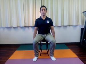 胸椎の連動呼吸(座位)①